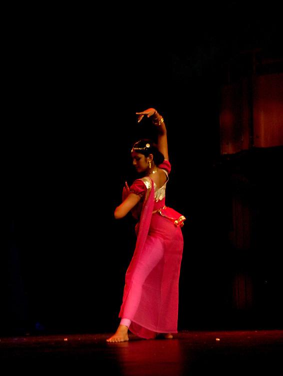 2326812-4-kandian-dance
